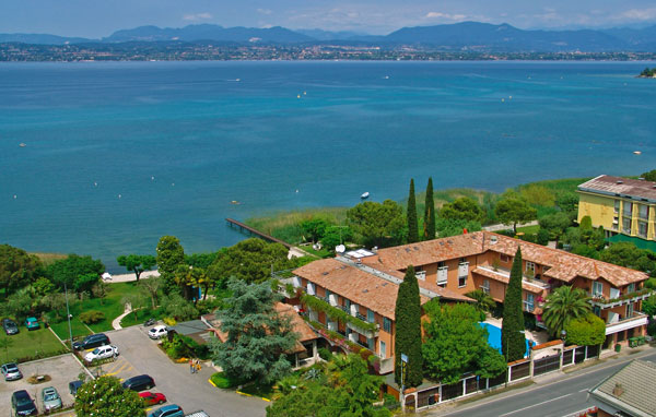 Booking lake garda hotel italy book directhotel la pa l for Reservation hotel italie